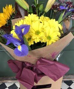 Lottys Flowers_ seasonal bouquet